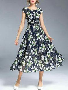Dark blue, casual A-line maxi dress with crew neck - Chiffon Dress Modest Fashion, Fashion Dresses, Dress Skirt, Dress Up, Casual Dresses, Summer Dresses, Midi Dresses, Chiffon Dresses, Dresses With Sleeves