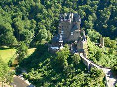 Burg Eltz 2005 - Burg Eltz – Wikipedia