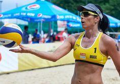 Como uma atleta do vôlei de praia está se preparando para as Olimpíadas