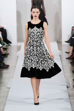 Oscar de la Renta at New York Fashion Week Fall 2013 - StyleBistro#fashion; #dresses; #fabulous