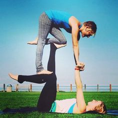 """""""Acroyoga is SO much more than the physical form. The beauty and power that make it so thrilling and transformative are a direct result of the integrity of our interactions together  How do you relate to your partner in between the photos? How do you treat the struggles and the trials in between the successes? What is the essence of your connection and does that permeate into your life?""""  Wisdom from YogaSlackers Teacher @brittarael.  #YogaSlackers #yoga, #yogalife"""