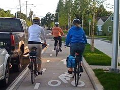 Why protected bike lanes should be called protected bike lanes (not cycle tracks, separated bike lanes, etc)