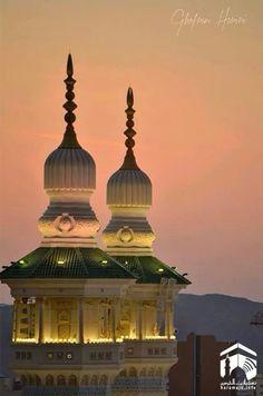 Beautiful sunset in Mecca Madina, Holy Land, Architectural Elements, Saudi Arabia, Beautiful Sunset, The Good Place, Taj Mahal, Architecture, World