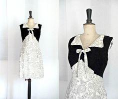 Robe Droite Noire et Beige Vintage 1960 par CeliaVintageStars, €35,00