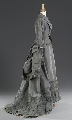 DOVE GREY SILK TAFFETA AFTERNOON Dress, circa 1875.
