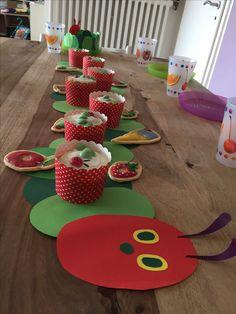 Tischdekoration Raupe Nimmersatt, Kindergeburtstag mit Motto Raupe Nimmersatt