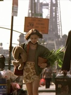 Mathilda's outfits in Léon: The Professional