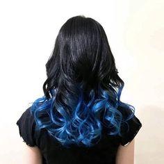 WEBSTA @ da_iki_chi - barberカルチャーの影響か、最近はカラーでも「綺麗」や「クール」な色に惹かれます。もっと色んなカルチャーに触れてヘアに反映させ、色んなスタイルを作れるようになりたい!写真は毛先のみブリーチをしてブルーを入れたグラデーションカラー。ブルーとブラックの組み合わせは最高に綺麗。#hairstyle #haircolor #graduation #manicpanic #blue #denimhair #hairarrange #elegant #gogohair #amemura #japan #ヘアスタイル #ヘアカラー #マニックパニック #マニパニ #グラデーション #ブルー #デニムヘア #デニムカラー #ヘアアレンジ #エレガント #黒髪 #外国人風 #外人風 #原色カラー #派手髪 #特殊ヘア #特殊系 #美容室gogo #アメ村