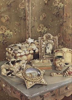 Vintage shell frames and boxes~