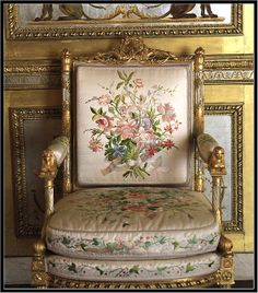 Royal Furniture, French Furniture, Antique Furniture, Sofas, Armchairs, Couches, French Style Chairs, Art Decor, Decor Ideas