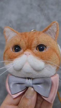 Needle Felted Cat, Needle Felting Kits, Needle Felting Tutorials, Needle Felted Animals, Wet Felting, Felt Animals, Gothic Party, Beginner Felting, Felt Animal Patterns
