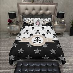 Lightweight Pirate Skull and Crossbones Bedding Black and White Skull... ($119) ❤ liked on Polyvore featuring home, bed & bath, bedding, duvet covers, home & living, white, king duvet, skull bedding, black and white duvet and twin bedding