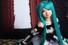 Sora Asuka: Hatsune Miku from Vocaloid, Cantarella version in Otaku House Cosplay Idol 2012