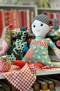 Mixed fabrics with gingham hair