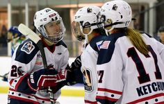 Three Players the New York Riveters Need to Re-Sign - http://thehockeywriters.com/three-players-the-new-york-riveters-need-to-re-sign/