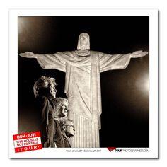 """34.6 mil curtidas, 780 comentários - Bon Jovi (@bonjovi) no Instagram: """"Jon, David, Tico, and David Bergman, climbed all 220 steps to see the Christ the Redeemer statue…"""""""
