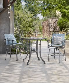 Fremont sling barstools with matching bar table Brown Jordan, Outdoor Furniture Sets, Outdoor Decor, Outdoor Settings, Hospitality, Bar Stools, Catalog, Patio, Traditional