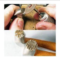 tools you should have * tools you should have Gravure Metal, Jewelry Crafts, Handmade Jewelry, Deco Cuir, Rio Grande Jewelry, Leather Stamps, Jewelry Making Tutorials, Metal Crafts, Schmuck Design