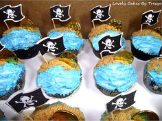sand and sea cupcakes Sea Cupcakes, Cupcakes For Boys, Themed Cupcakes, Pirate Birthday Cake, 5th Birthday Party Ideas, Birthday Stuff, 4th Birthday, Pirate Day, Pirate Theme