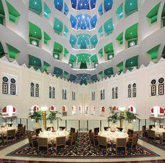 De viaje y crucero por Oman y los Emiratos Arabes Unidos