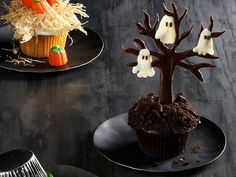 Haunted forest cupcakes from  Food Network Magazine, October 2012 #cupcakes #halloween