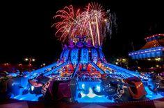 Walt Disney World - Magic Kingdom - Wishes over Dumbo in Storybook Circus