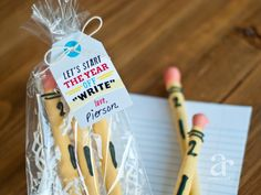 """Anders Ruff Custom Designs, LLC: FREE Printable Let's Start the year off """"Write"""" Printable Teacher Gift Tags! They also show you how to make the pencils! Teacher Gift Tags, Teacher Appreciation Gifts, Teacher Stuff, School Treats, School Gifts, School Days, School Stuff, Cute Pens, Pug"""