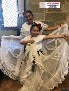 Coreografía e interpretación de Jazhibe Ceballos Sari, Fashion, Viva Mexico, Culture, Events, Saree, Moda, Fashion Styles, Fasion