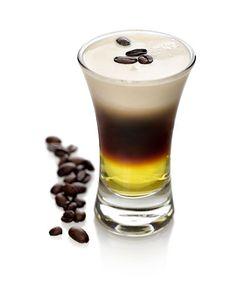 Galliano hot shot | En mycket populär shot. Ursprungligen gjord på Anisette istället för Galliano år 1987 av Bosse Bergström, som medverkade i en kaffedrinktävling. Det ursprungliga namnet var Hot shot.