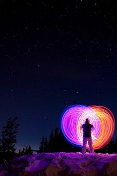 """""""Todos nós carregamos no íntimo uma estrela de infinita beleza. Somos estrelas. Claro que vivemos cercados de muita fumaça e nuvens, e, se alguém olhar de fora, nenhuma parte da estrela será encontrada. A função da meditação é penetrar essas nuvens escuras que o cercam e chegar ao centro, onde a luz eterna está presente, onde a vida é uma chama de alegria, de felicidade, de tremenda beleza. A experiência dessa chama íntima é a experiência do divino."""" #Osho"""