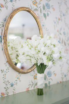 An all #white #bouquet for a white wedding! Photography: Jason Walz - www.jasonwalz.com