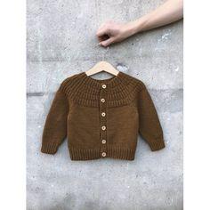 Ravelry: Anker's Jacket pattern by PetiteKnit Baby Sweater Knitting Pattern, Knitting Patterns, Knitting For Kids, Baby Knitting, Crochet Round, Knit Crochet, Pull Bebe, Baby Barn, Icelandic Sweaters