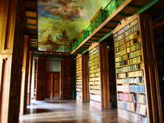 klášter v Jasově- knihovna