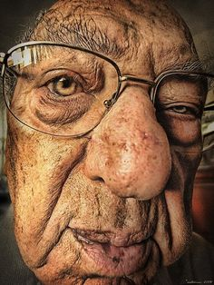 Old face, wrinckly, wrinckles, old guy, weathered, cute, lines of life, glasses, portrait
