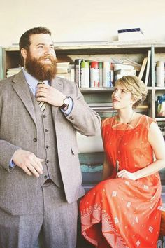 Ben & Erin Napier from Home Town Post Baby Fashion, Fashion Couple, Home Town Hgtv, Erin Napier, Cute Short Haircuts, Short Styles, New Chapter, Cute Shorts, Headband Hairstyles