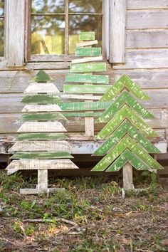 Kalalou Recycled Wooden Christmas Trees With Stands – Set Of 3 – Outdoor Christmas Lights House Decorations Wooden Christmas Trees, Christmas Signs, Winter Christmas, All Things Christmas, Christmas Holidays, Creative Christmas Trees, Christmas Lights Outside, Elegant Christmas, Modern Christmas