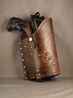 Steampunk leather Nerf holster  Maverick  par IsilWorkShop sur Etsy, $40.00