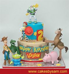 LOVE all these Toy Story cakes!