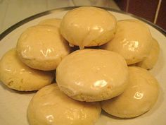 Lemon Italian Cookies - Love lemon, so I'm thinking these are great! Must try!