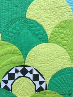 Wonderful quilt by Cassandra Beaver of The Not So Dramatic Life! She created this quilt for The Modern Quilt Guild 's Riley Blake Designs Fabric challenge. The templates for her pattern were drawn using AutoCad and then she machine pieced the fabrics together. Her quilting was done beautifully using various shades of Aurifil thread, and she accented the machine quilting with #Aurifloss sashiko. To see more, please visit…