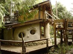 This Cob House: Cob House & Natural Building Designs - decoratoo Cob Building, Building A House, Green Building, Earthship Home, Tadelakt, Natural Homes, Unusual Homes, Earth Homes, Natural Building