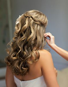Love, love, love this! I would have to let my hair grow out a little longer though. WeddingChannel Galleries: Down Bridal Hairstyle