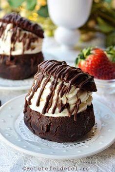 In week-end, am vrut sa-i surprind pe ai mei cu aceste savarine cu ciocolata …