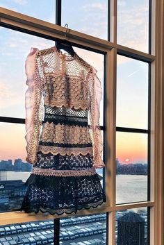 Self portrait Classic guipure lace and mesh panel style gets a new season update in the shape of pink, navy and baby blue dress! Self Portrait Dress, Brokat, Evening Outfits, Purple Fashion, Famous Brands, Beautiful Sunset, Lace Trim, Lace Dress, Sequin Skirt
