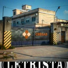 Portón rotulado a mano para la CREGAR en la localidad de Hurlingham, provincia de Buenos Aires Buenos Aires, Argentina, Be Nice, Hipster Stuff
