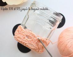 CROCHET Oh les jolis pots! - jesus-sauvage - Knitting And Crocheting Crochet Diy, Crochet Home, Crochet Gifts, Crochet Ideas, Loom Knitting Patterns, Crochet Patterns, Hat Patterns, Crochet Christmas Gifts, Hat Hooks