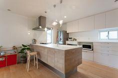 照明・スイッチなど細部1つ1つにまでこだわったオリジナリティあふれる住まい|2階建て|建築事例|注文住宅|ダイワハウス Japanese Kitchen, My House, Kitchen Cabinets, Interior, Room, Home Decor, Kitchens, Kitchen Cupboards, Homemade Home Decor