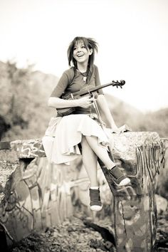♡♥Lindsey Stirling - click on pic to see a full screen pic in a better looking black background♥♡
