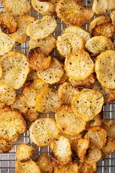 Carb & Keto Faux-tatoes (With Radishes!)Low Carb & Keto Faux-tatoes (With Radishes! Low Carb Chicken Recipes, Healthy Low Carb Recipes, Low Carb Dinner Recipes, Keto Recipes, Cooking Recipes, Appetizer Recipes, Italian Appetizers, Free Recipes, Keto Side Dishes