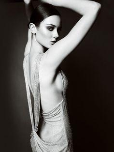 Monika Jagaciak for Atelier Versace Fall 2010 Lookbook 16